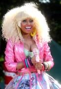 Ники Минаж, фото 115. Nicki Minaj performing on Good Morning America 05/08/'11 - nip slips!, foto 115