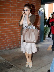 Ева Мендес, фото 4725. Eva Mendes spotted leaving a Medical Building in Beverly Hills, january 18, foto 4725