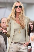 Эль Макферсон, фото 1070. Elle MacPherson at The Grove to appear on the programme 'Extra', february 20, foto 1070