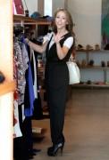 Дженнифер Лав Хьюит, фото 9063. Jennifer Love Hewitt - out shopping in Hollywood 03/01/12, foto 9063