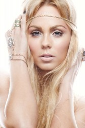 Laura Vandervoort - Gabriel Goldberg Photoshoot (3xHQ)