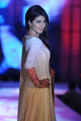 Priyanka Chopra - Cancer Patients Aid Association (CPAA) Fashion Show Fundraiser in Mumbai on July 1, 2012 - x9 HQ